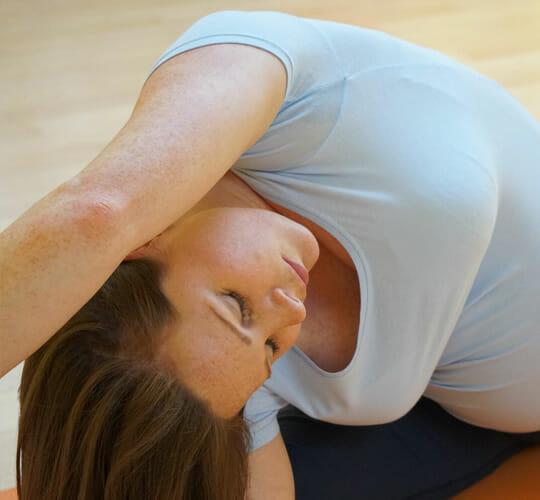 "<div style=""line-height: 1.3; color: #ce402d; font-family: catamaran;"">Further Teacher Training</br>for Yoga Teachers</br>Yoga and Pregnancy</div>"